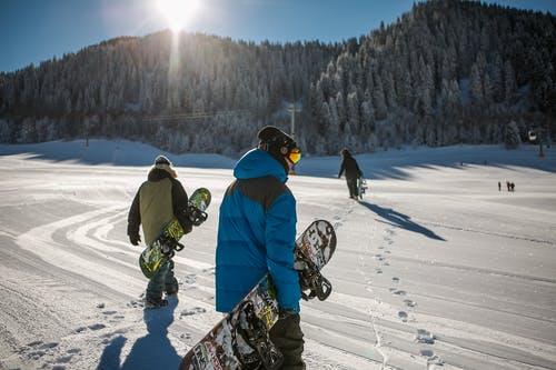 snowboard zima