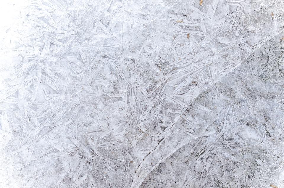 zmrzlé sklo